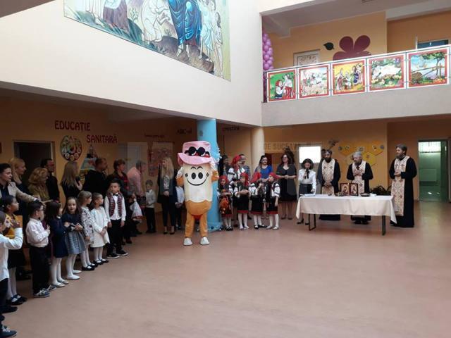 """Școala Primară """"Sf. Ioan cel Nou de la Suceava"""" și-a deschis ieri porțile"""