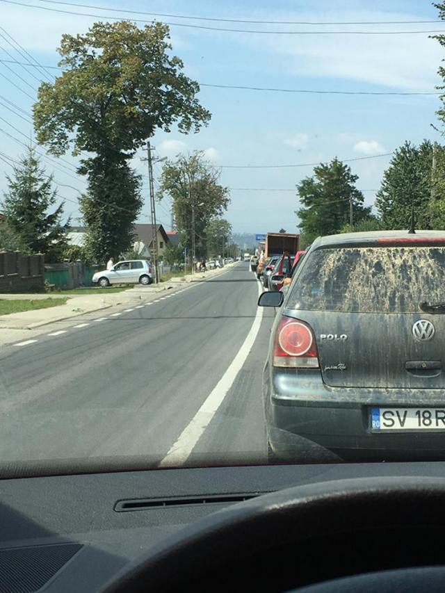 Drumul naţional Suceava-Botosani, foarte intens circulat, a fost blocat pe ambele sensuri