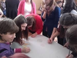 Elevii își pot reprezenta colegii în Consiliul de Administrație al școlii