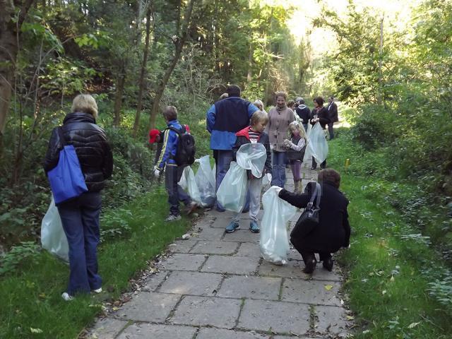 Peste 5.000 de persoane s-au înscris ca voluntari pentru Ziua de Curățenie Națională