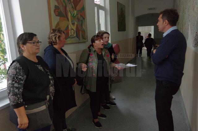 Șicane și vorbe grele între câțiva părinți de la Colegiul de Artă. Miza: O sală de clasă