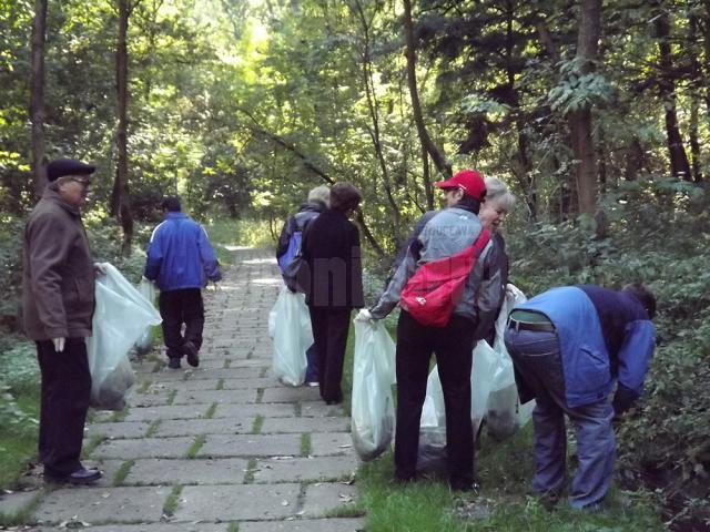 """Peste 5.000 de voluntari suceveni înscriși pentru Ziua de Curățenie, în campania """"Let's do it, România!"""""""