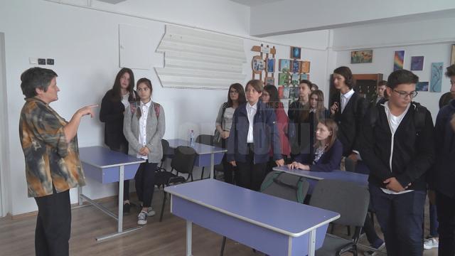 Clasa a VIII-a D, alături de diriginta lor