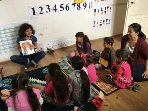 Copiii din familiile defavorizate au avut parte de experiențe unice, jocuri și experimente