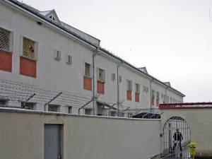Dumitru Cioban a fost dus de polițiști la Penitenciarul Botoșani, unde își va executa pedeapsa