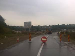 Ruta ocolitoare a municipiului Suceava care traversa localitatea Şcheia a fost închisă luni dimineaţă
