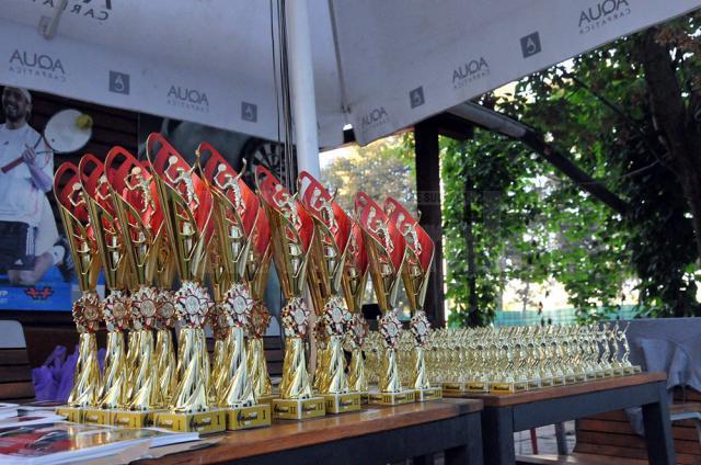 Trofeele puse la bătaie de organizatori au ajuns la toţi participanţii