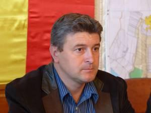 """Primarul Fălticeniului, Gheorghe Cătălin Coman: """"Fac apel încă o dată la fălticeneni să vină şi să îşi actualizeze dosarele dacă vor o locuinţă socială"""