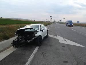 Proprietarul maşinii a făcut plângere că maşina i-a fost furată și avariată