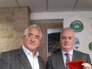 Primarul Sucevei, Ion Lungu, cu Ambasadorul Irlandei, Excelenţa Sa Derek Feely