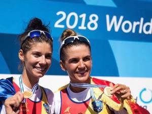 Gianina Beleaga (stânga) și Ionela Cozmiuc (Lehaci) au câştigat aurul mondial la dublu vâsle categorie ușoară