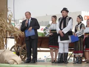 """Preşedintele CJ Suceava, Gheorghe Flutur a deschis oficial Târgul """"Produs în Bucovina"""""""