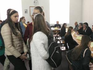Bursa locurilor de muncă pentru absolvenţii promoţiei 2018, la Rădăuți