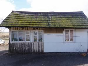 Așa arată casele din cătun