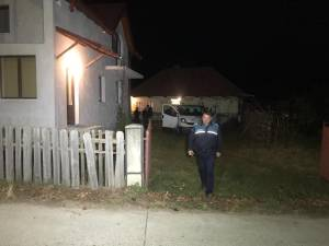 Un poliţist de la Secţia Burdujeni a fost găsit spânzurat în casa din satul Mihoveni, comuna Şcheia, în care locuia