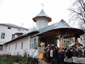 Biserica aflată în curtea Spitalului Vechi sărbătoreşte vineri hramul Sf. Nectarie din Eghina