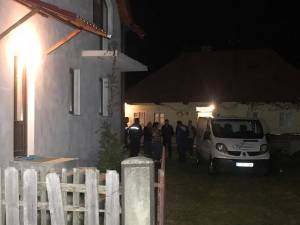 Un poliţist de la Secţia Burdujeni a fost găsit spânzurat în casa din Mihoveni în care locuia