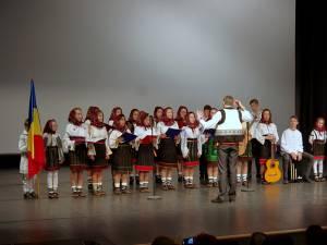 """""""Uniți de Centenar"""", spectacol emoționant susținut de copii din sistemul de protecție socială Suceava"""
