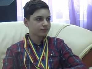 """Paul Burcă, din clasa a VII-a, de la Școala Gimnazială Nr. 1 din Vatra Dornei, a obținut Premiul I în cadrul Concursului Național de Fizică """"Evrika"""""""