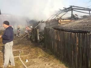În timpul incendiului de la Capu Codrului, a fost distrus adăpostul animalelor, depozitul de furaje, un tractor și alte bunuri