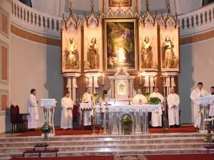"""Liturghia oficiată la Biserica """"Sf.Ioan Nepomuk"""", de Ziua Independenței Poloniei"""