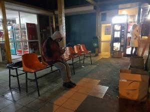 DSP Suceava solicită spitalelor şi azilurilor de noapte să interneze obligatoriu oamenii fără adăpost găsiţi în stradă