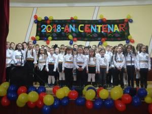 """Spectacolul ,,România în Sărbătoare"""" la Pârteştii de Sus"""