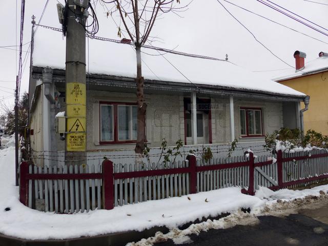 Locuinţa în care s-a petrecut nenorocirea, în urma căreia cei doi bătrâni și-au pierdut viața
