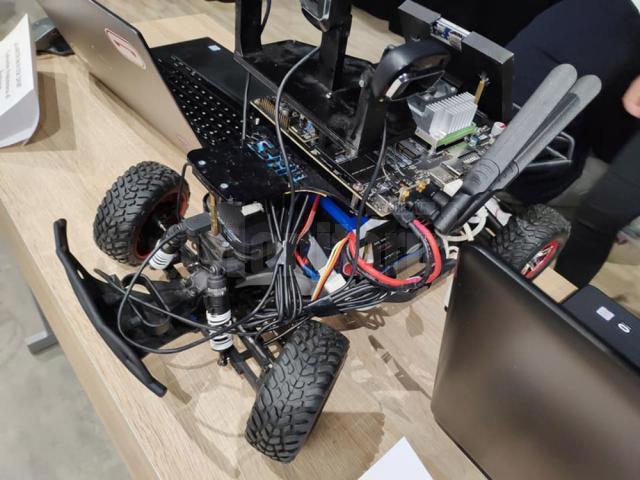 """Premii pentru trei roboţi construiţi de studenţi ai Universităţii """"Ştefan cel Mare"""""""