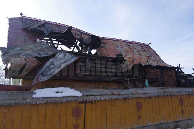 Casa este total avariată