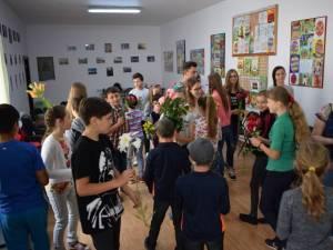 """La secțiunea Proiectul de voluntariat al anului în domeniul educație este nominalizat Centrul """"Nouă ne pasă"""" Moldovița"""