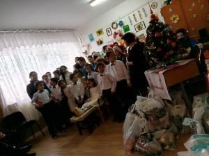 Moş Nicolae, la Centrul Şcolar de Educaţie Incluzivă Suceava