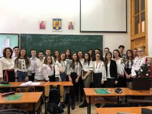 """Colegiul """"Eudoxiu Hurmuzachi"""" Rădăuți,  la ceasul sărbătorii Marii Uniri"""