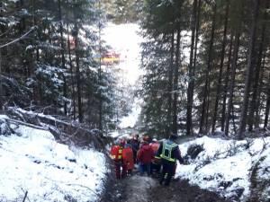 Bărbatul a fost preluat de pompierii paramedici