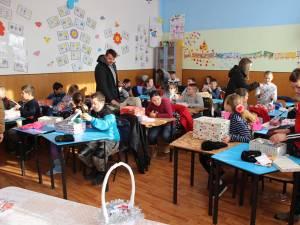 """Upgrade Suceava a desfășurat zilele acestea proiectul social """"Cutia cu Vise"""" prin care a adus bucurie în inima a peste 240 de copii din sate sărace"""