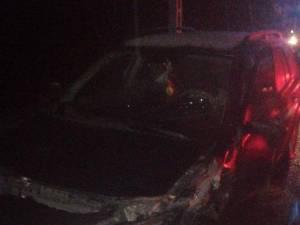 Un camion cu lemne şi două autoturisme, implicate într-un accident, la Ilişeşti