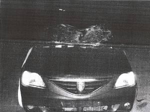 Autoturismul care l-a lovit pe biciclist a fost grav avariat