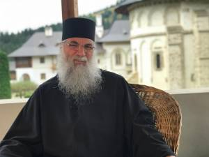 Starețul Melchisedec, omul care a redeschis drumurile spre Putna