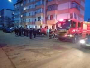 Panică și oameni evacuați după un incendiu într-un bloc din Burdujeni
