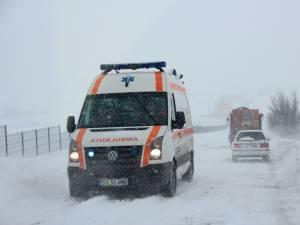 """Băiatul a fost transferat la Spitalul pentru Copii """"Grigore Alexandrescu"""" din București, cu o ambulanță"""