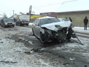 Autoturismul BMW condus de tânărul de 23 de ani, care a produs accidentul