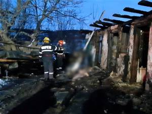 Incendiu a distrus intreaga locuinta, batranul fiind descoperit in interiorul unei incaperi
