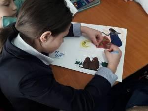 Copiii din Programul de Eradicare a Sărăciei prin Educație din localitatea Baia l-au omagiat ieri pe Mihai Eminescu