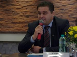 """Giani Leonte: """"Situația este anormală, ținând cont că mare parte din directori au activitate de predare"""""""