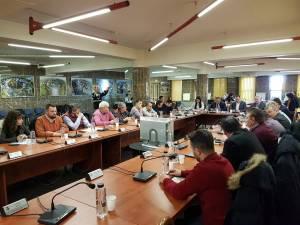 Decizia de majorare a salariilor din Primarie a fost adoptată vineri, într-o ședință extraordinară de Consiliu Local