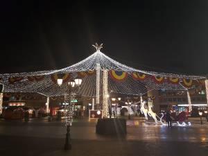 Cupola de lumini și restul decorațiunilor de iarnă din oraș vor fi stinse și strânse începând de luni