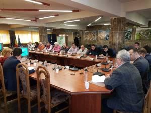 Primarul Sucevei e sigur că majorarea salarială a angajaților, aprobată în Consiliul Local, va fi acoperită din atragerea de finanțări externe