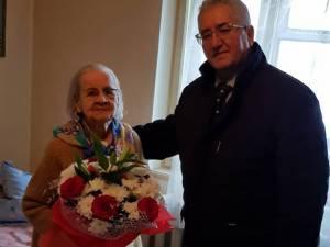 """Singurul """"Cetățean de onoare"""" centenar al Sucevei, Lucea Bohatereț, în vârstă de 101 ani, a primit vizita primarului Ion Lungu, în noul an"""