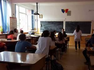 Elevii merg la şcoală vineri, 25 ianuarie