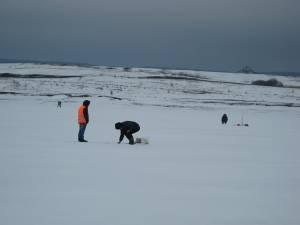 Acumularea de la Lipoveni, o atracţie pentru pescari și iarna
